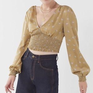 New URBAN OUTFITTERS Puff Sleeves Smocked Top